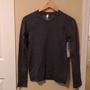 Lululemon gray rest less pullover sz 6 NWT 81323